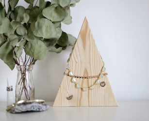 Creative Jewellery Displays For Your Online Store
